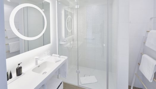 Łazienki w hotelu Indygo