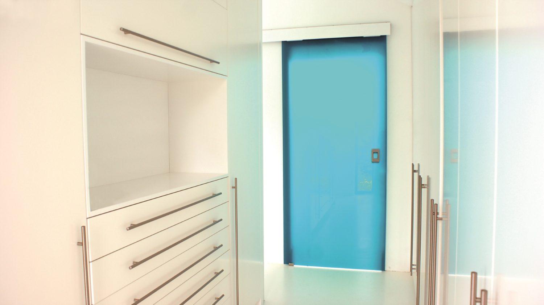 Dlaczego szkło sprawdzi się w niewielkich mieszkaniach?